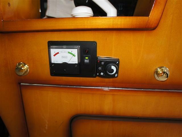 ガソリンFFヒーター&サブバッテリーボルトメーター