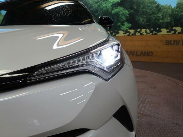 【LEDヘッドライト】LEDヘッドライトはHIDヘッドライトに比べて大光量で、遠方視認性を向上させてくれる為夜間の運転をより安全にサポートしてくれます☆