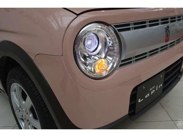 ヘッドランプポジションランプに、省電力で長寿命のLEDランプを採用。優れた照射性能で暗い場所での視界を守るとともに、白くクールな存在感を放つ、オートライト機能付の純正ディスチャージライトです☆
