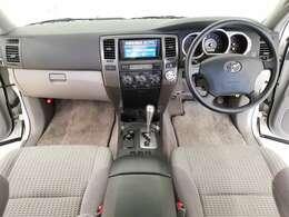 「2.7リッターSUV」定員5名でもしっかり乗れる広い室内、いろいろな用途でお使いいただける、乗りやすいお車です!