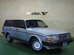 約20年が経とうとしている今でも魅力あふれる車です