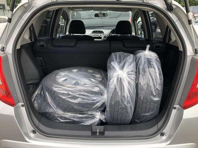 【荷台スペース】使いやすくゆとりのあるラゲージルーム♪荷物の大きさに応じてスペースの確保も思いのままに!!!