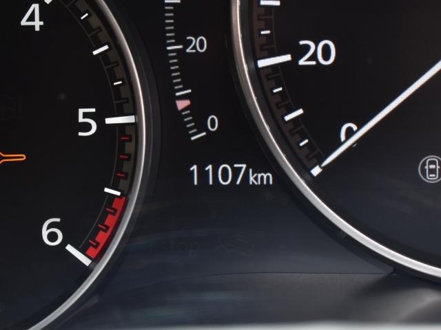1107kmの少走行車両 内装のクリーニングに外装のコーティングが施工された弊社お勧めのSKYACTIV-ADVANCE車両です。
