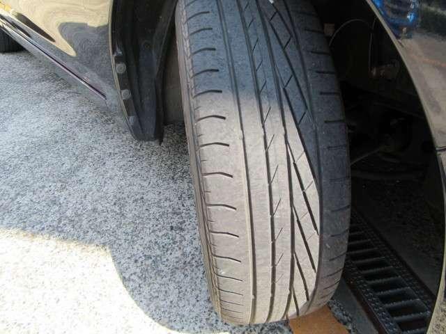 タイヤ溝もまだまだ使用可能です