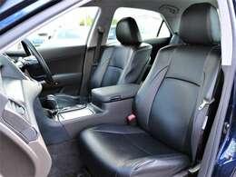 純正黒革調シートカバーを装備★内装ももちろんクリーンナップ済みですので気持ちよくお使いいただければと思います!