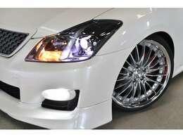 ●パールホワイトでおしゃれな仕様の200系クラウン アスリート●経済的な2500cc●WORKのホイールがマッチしかっこいいお車です●