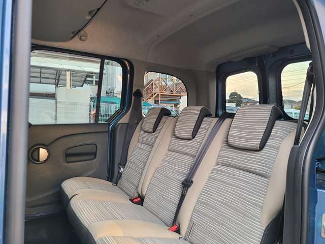窓の数が多く開放感があり、景色を楽しみながら快適なドライブをお楽しみいただけます!