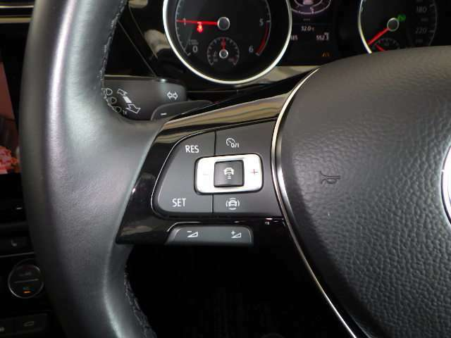 ACC(アダクティブクルーズコントロール)前車速追従機能付き★高感度なレーダーにより、先行車を測定。一定距離を維持し自動加減速を行います。長距離走行での疲労軽減は間違いなし!