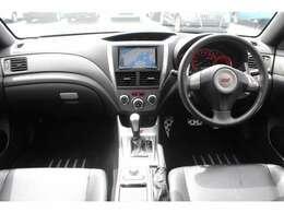 ・HDDナビ地デジフルセグTV・DVDーVIDEO/CD・ミュージックサーバー・Bluetooth・SDカード・SIーDRIVE・オートエアコン・STIブラックレザーシート・パワーシート・シートヒーター