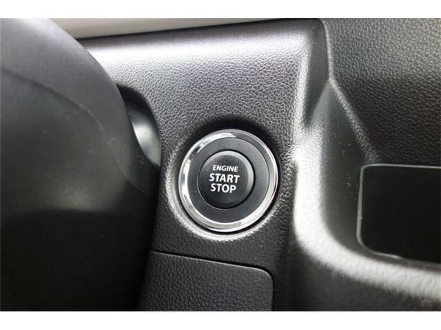 キーレスプッシュスタート  キーを身に付けていればキーを挿さずにエンジンスタートできます。 いちいちキーを出さなくて良いのでとっても楽です♪