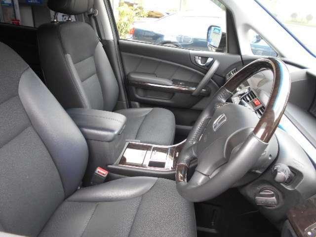 視点が高いので視界も広々、運転も楽々。大きい車が不慣れな方でも安心です。
