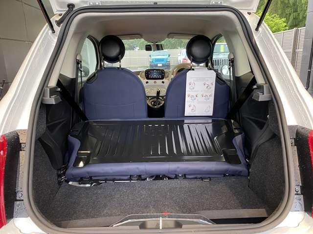 後席を倒すと、ある程度大きいサイズを積載出来る為、常時この状態のお客様もいらっしゃいます!