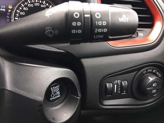 ★2駆と4駆の切り替えが出来るので通常は2駆で走行することで、4WD特有の燃費の低下を避けることが出来るのと操舵性が良いです★