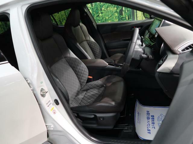 高級感たっぷりの「ブラックハーフレザーシート」!!社内の高級感を与えてくれるので、優雅にドライブをお楽しみいただけます♪座り心地もバッチリです☆是非一度ご体感下さいませ!!