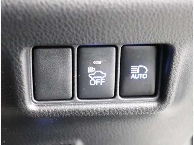 衝突被害軽減ブレーキ、車線はみ出し警告機能、オートハイビーム等安心装備もしっかりと充実しております!