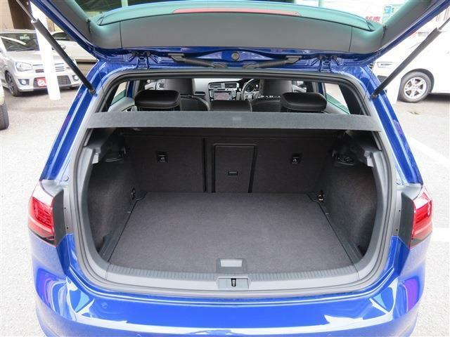 トランクもご覧の広さ!十分な容量を確保しております。