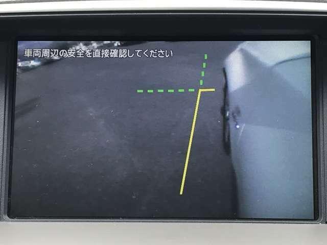 併せてサイドカメラも搭載しております!横幅の広い車だからこそ助かる装備ですね♪