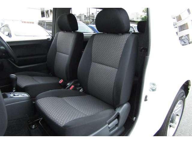 車内、シートコンディションは良好です。走行距離の少ない貴重な車両です!