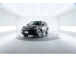 トヨタ ハリアーハイブリッド 3.3 プレミアムSパッケージ 4WD 純HDDナビ JBLフサウンド HIDライト 黒革