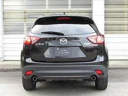 新世代軽量高剛性ボディ「SKYSCTIV-BODY」を採用されています。CX-5の革新ボディは、運転の楽しさや上質な乗り心地、万一の衝撃吸収性などボディに要求される性能が徹底追及されているんです。