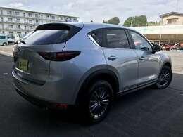 お車の販売はもちろん、整備・車検・板金塗装・保険・リースなどのご相談も承っております!すべてはお客様の為です!!