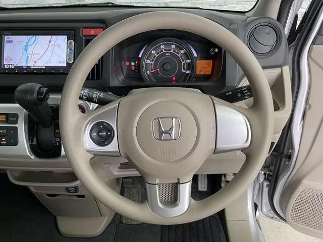 運転しやすいハンドル回りです!