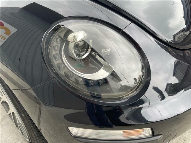 ヘッドライトの黄ばみも無く綺麗な状態です。こちらは社外品のHIDヘッドライトです。納車時に純正ライトもお付けします。