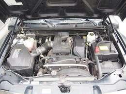 5速MT エボニークロスシート 2DINCDデッキ ETC オプションルーフマーカー フロントバンパーロゴインサート ブラックフューエルドア 純正ヒッチメンバー 純正16インチAW