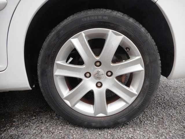 ★純正アルミホイール!タイヤの溝もまだまだあります!★
