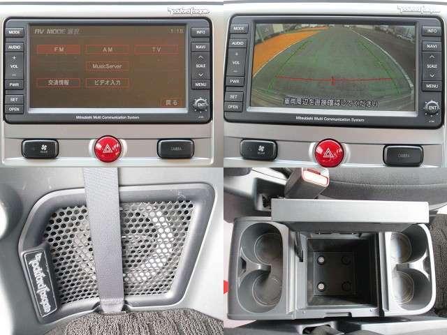 純正HDDナビ バックカメラ付きなのでバック駐車も安心です。ロックフォードサウンドシステムがついています!