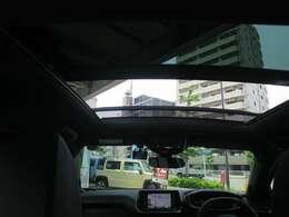ETC/アダクティブクルーズ/スマートキー/LEDヘッドライト/専用ハーフレザー/特別低金利2.39%実施中!特典多数プジョーオーナー様限定自動車保険が新登場!買取強化キャンペーン!