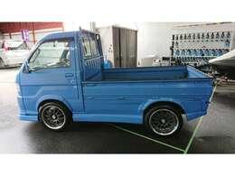 ハイゼット トラック 660 エクストラ  3方開 エアコン パワステ ETC カーナビ カスタム仕様 フルエアロ 社外アルミホイール 社外テール 社外ハンドル・・・色々とカスタムしてあります。