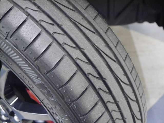 「タイヤ」タイヤサイズは165/55/R15 銘柄はポテンザです