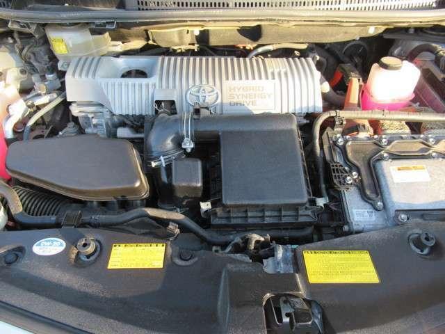 1.8L水冷直列4気筒DOHC+モーターエンジン!