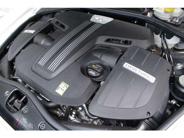 ・V8ツインターボエンジン