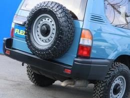 スペアタイヤは贅沢に足回りに装着しているものと同じタイヤ・ホイールを新品取り付けです!
