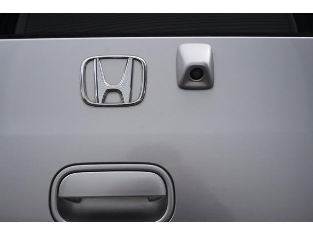 バックカメラ付き☆駐車の際、これがあれば運転に自信が無い方も安心です!一度使うと手放せない装備です!