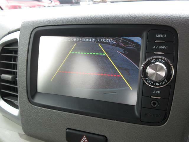 後方視界をサポートするバックカメラを装備!これで駐車が苦手な方も安心ですね!