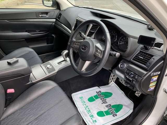 運転席周りの画像です
