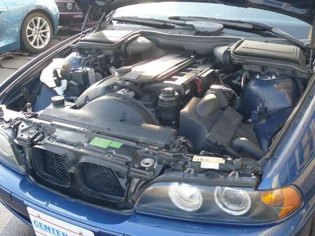 この車両はDT30 、3リッターのパワーのあるトルクフルなエンジンは、当時の高級車5シリーズを国産スポーツ車両以上に走らせます、ストレートシックスの走る喜びも堪能できる車です。
