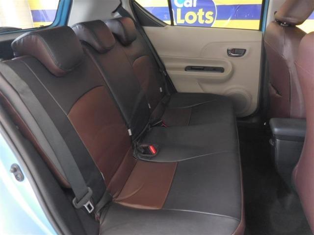 後部座席はユッタリくつろぎスペース!みんなで快適ドライブを楽しもう♪