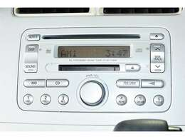 純正『CD/MDステレオ』装備。お好みのサウンドで楽しくドライブ♪ナビの取り付けもご相談してください♪