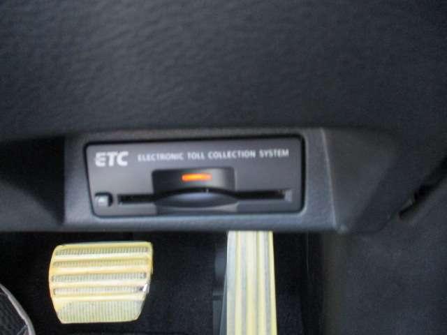 人気のETCが装着されてます。高速道路を利用されてるお客様は必須ですね。