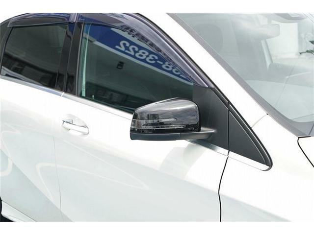 ターンランプ付電動格納式ドアミラー装備☆純正オプションブラックドアミラーカバー装備☆スポーティさを演出しています☆純正ドアミラーカバーもあります☆