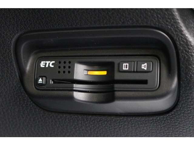 ETCはビルトインタイプを装備!見た目もスマート♪高速道路の料金所も楽々通過♪