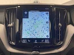 フロントシートには、シートヒーター&シートエアコンに加え、ステアリングホイール・ヒーターも装備。厳寒の地、北欧スウェーデン発祥のブランドならではのアイテムです。シートヒーターは後席にも装備しています。