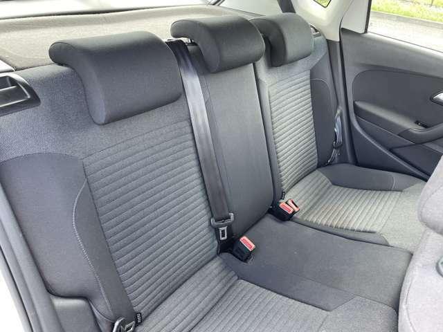 後部座席も使用感も気にならず、とても綺麗な状態です。