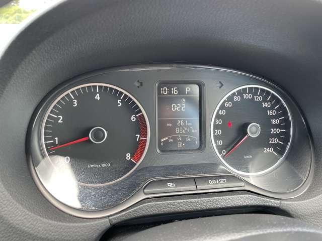こちらのお車の走行距離は、8.3万kmとなっております。