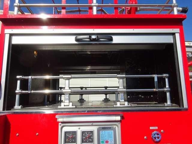 ◎平成13年式、三菱ふそう「ファイター」の水槽付消防車が新入庫致しました!容量1500Lの水槽付ですので、緊急時にすぐに放水して消火活動を行うことができます!