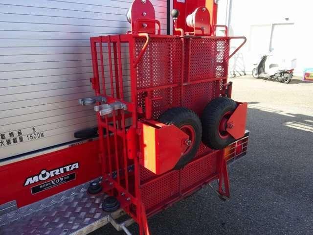 水槽付きの消防車は入庫少ないので、お早めにお問い合わせ下さい!大型工場等での消火設備としての利用の他、輸出にもピッタリの一台ですよ!◎